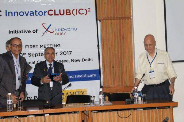 Dr-Ajit-K-Nagpal-receives-memento-from-Dr-VK-Singh-1024x683