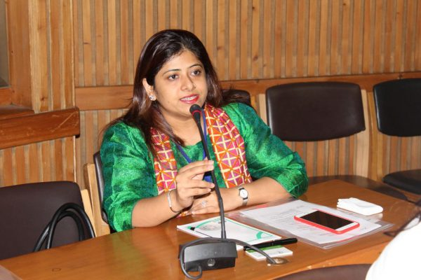 Ms-Prarthana-Gandhi-introduces-herself-to-the-members-of-IC-Innovators-Club-1024x683