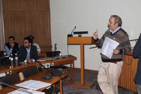 Sachin-Gaur-talks-in-IC-InnovatorCLUB-third-meeting-2-1024x683