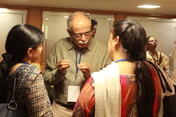 Dr. Rajeev Kapur interacting with club participants
